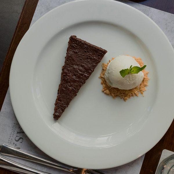 TORTA HUMEDA DE CHOCOLATE